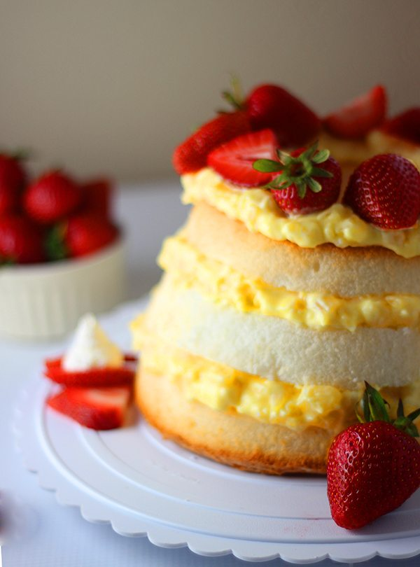 Angel Food Cake With Strawberries And Pineapple