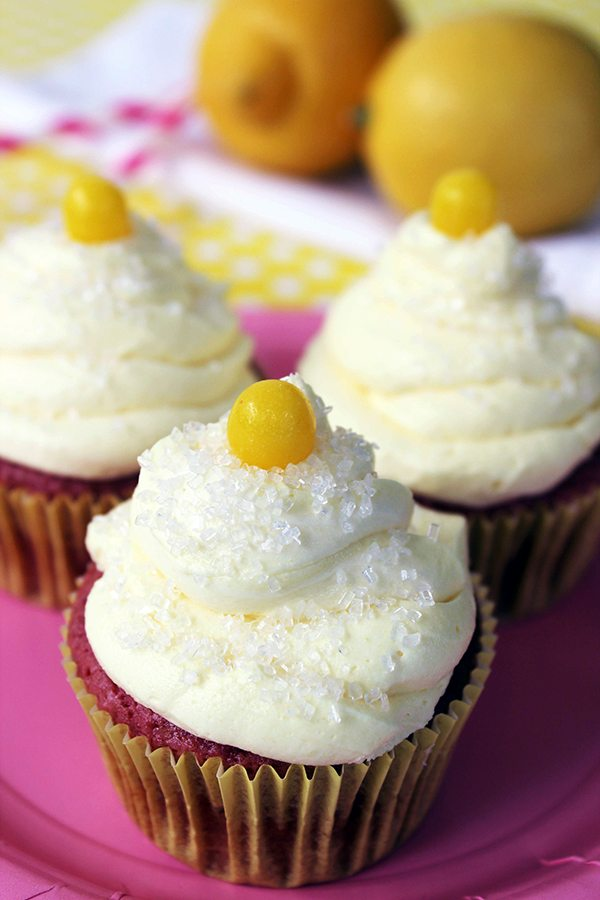 Kids will love these easy to make Strawberry Lemonade #cupcakes