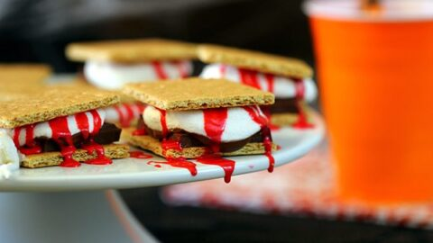 Bloody Halloween S'mores