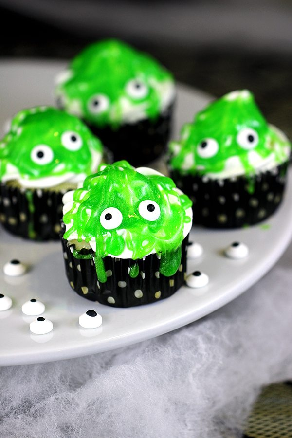 Slimy Monster Cupcakes from Homemaking Hacks featured at Saturday Night Fever