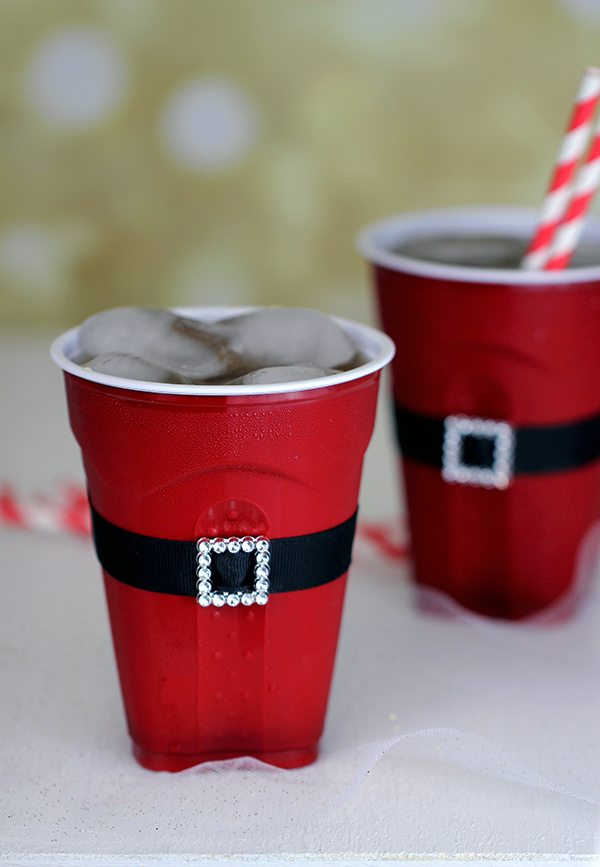 8 clever holiday party ideas using solo homemaking hacks - Crafts made from plastic cups ...