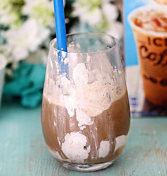cinnamon cloud iced coffee