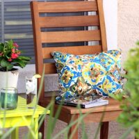LOVE! Outdoor Reading Nook Reveal, get the look or save for later. World Market has AWESOME stuff! #RRYardMakeover