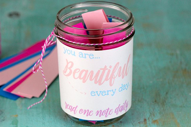 Want to make someone feel special? Make them this cute Beauty Notes Jar. It's a simple DIY that you can customize to make someone smile even when you're not there.