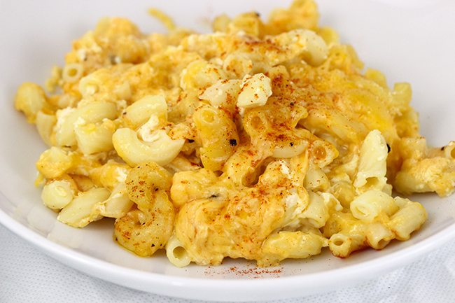 Say what? 5 Ingredient Mac & Cheese?? Unbelievable Mac & Cheese in your slow cooker.