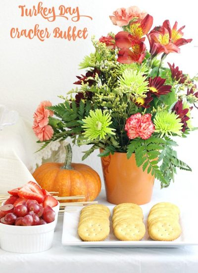 DIY Party: Thanksgiving Day Cracker Buffet