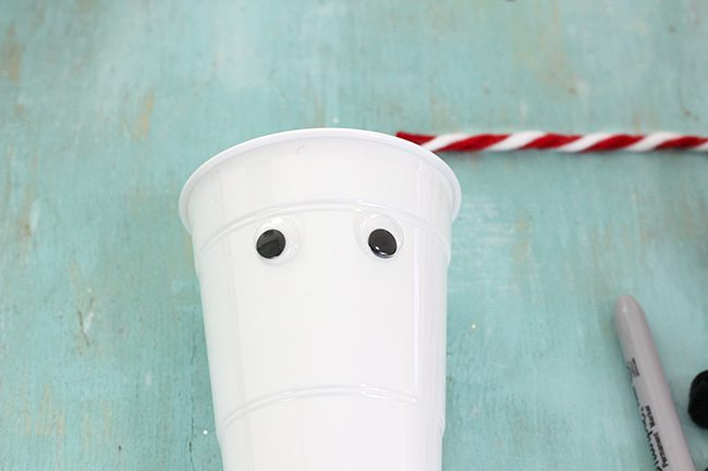 These are the cutest! So easy! Make DIY Polar Bear Cups. Perfect for the Norm of the North movie party themes.