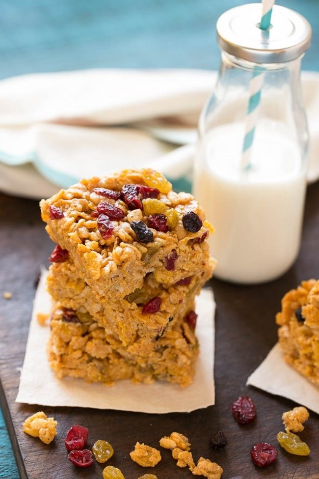 no-bake-breakfast-cereal-bars-dinneratthezoo