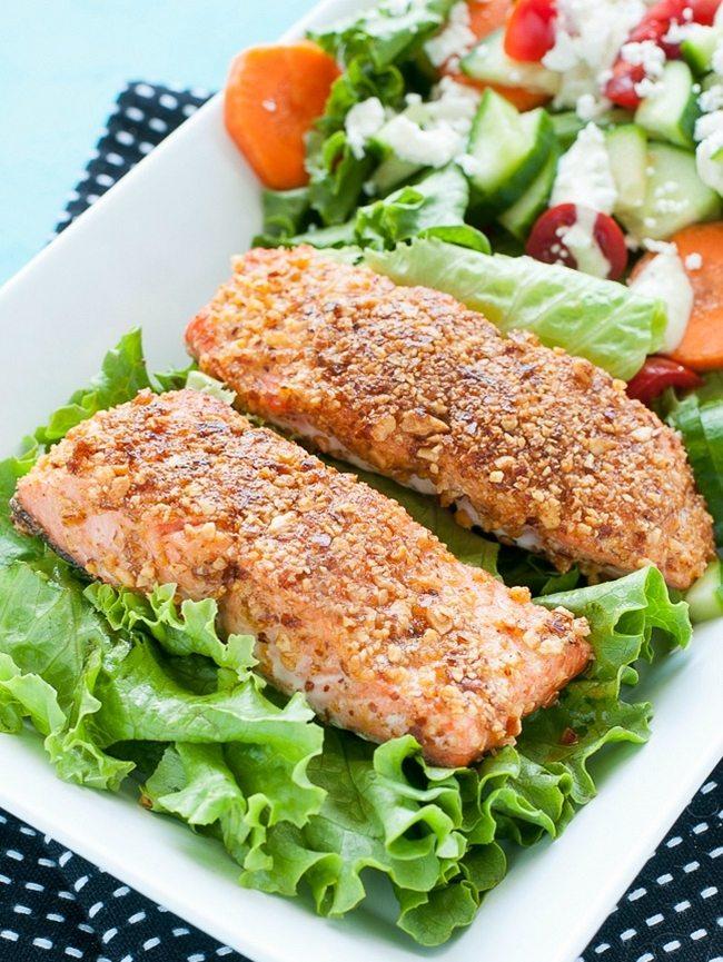 sriracha-almond-encrusted-salmon-peasandcrayons