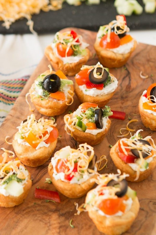 easy-veggie-pizza-tarts-appetizer-ohsweetbasil.com-2