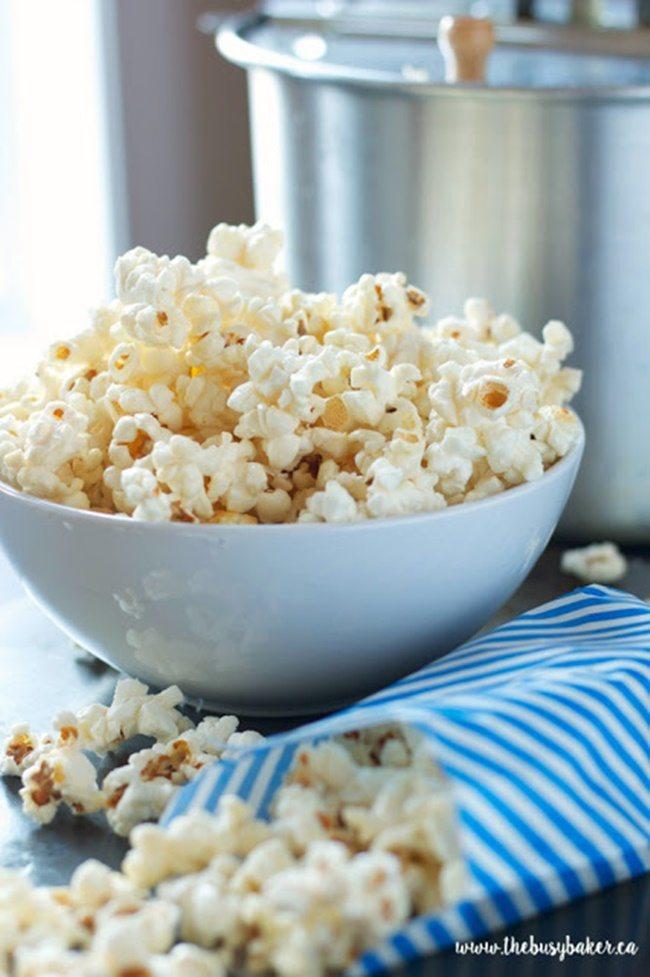 kettle-corn-popcorn-thebusybaker
