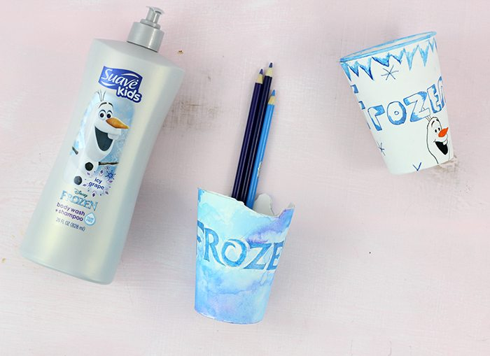 Disney Inspired DIY Pencil Cup Craft for Kids. Get kids excited to go back to school with Disney.