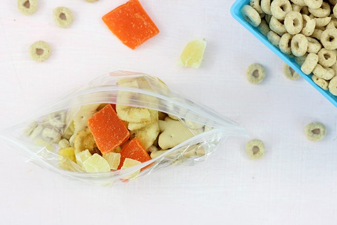 Snack Station for kids. Cute DIY Ideas and simple snack ideas. The trail mix bar is such a COOL idea!