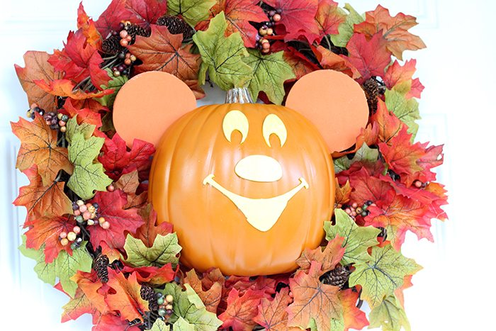 Mickey Halloween Wreath DIY. Copy Cat from Disney World, Mickey's Not So Scary Halloween Party.