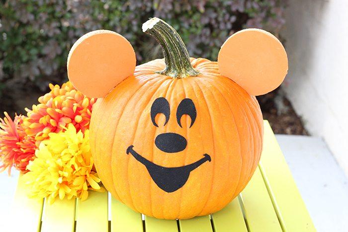 easy disney halloween pumpkin