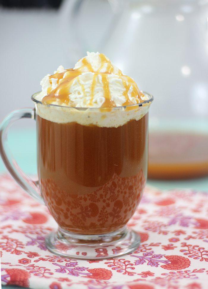 Caramel Apple Tea recipe for the best warm autumn drink.