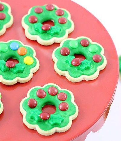 Super Easy Christmas Wreath Cookies