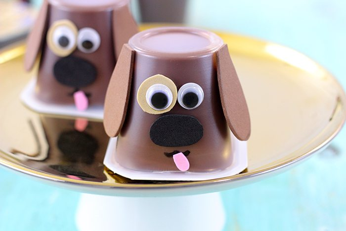 Puppy Pudding Cups to make snacking fun again. Easy to make with foam or construction paper.