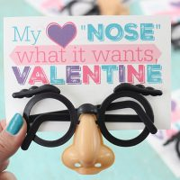 "Best Valentine's Day Printable Gift for people with a hearty sense of humor. ""My heart ""nose"" what it wants Valentine."