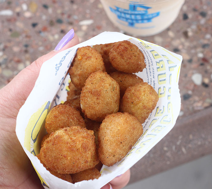 Culver's Cheese Curds are snackable, bite-sized chunks of white and yellow Cheddar cheese, breaded and deep-fried for a warm, buttery crunch.