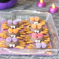 Easy Halloween Spider Cookies & More Party Ideas