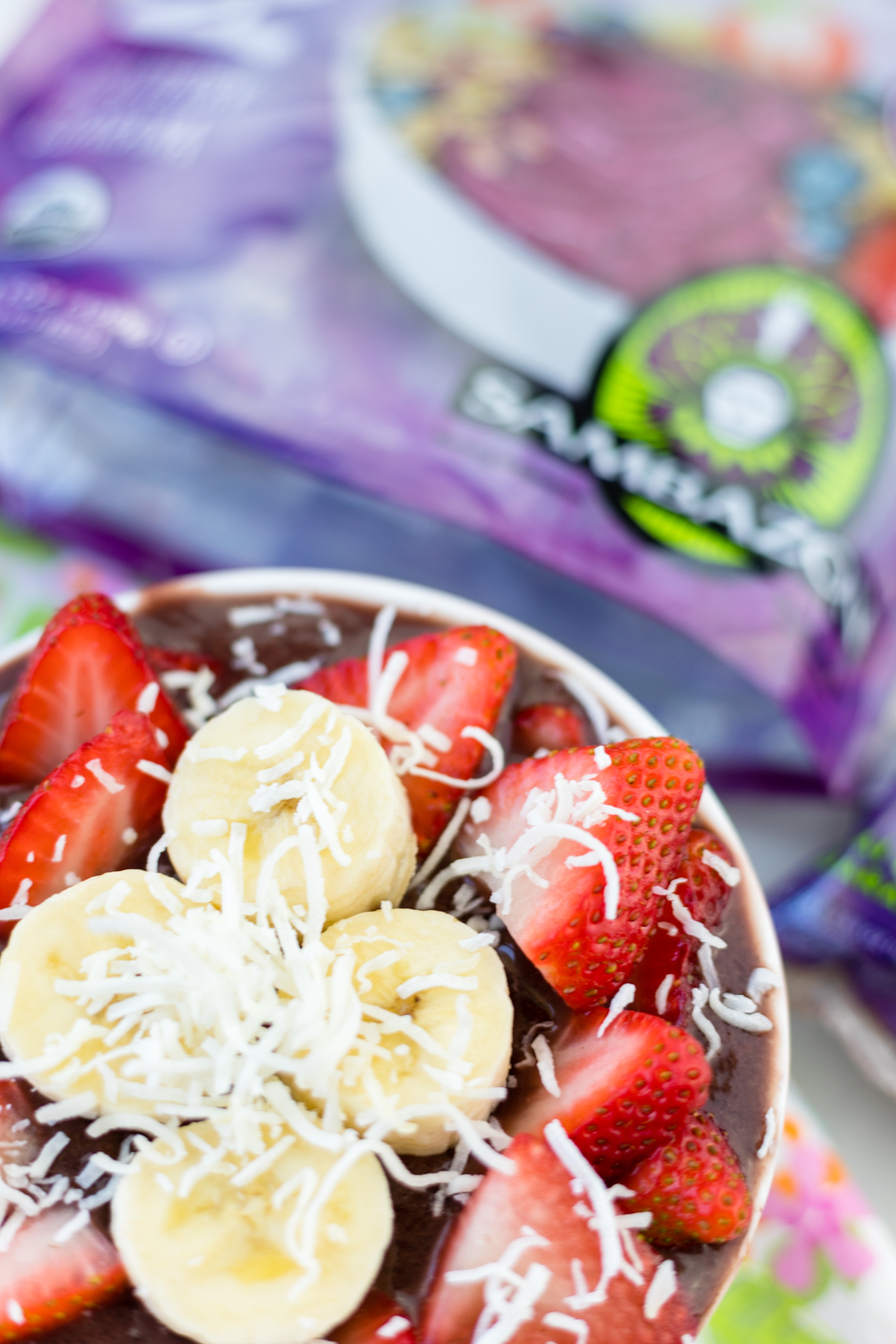 Learn how to quickly make Acai bowls at home the easy way!