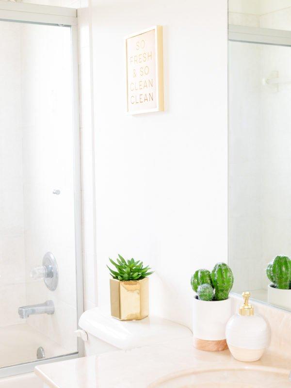 How to Make a Tiny Bathroom Seem Larger