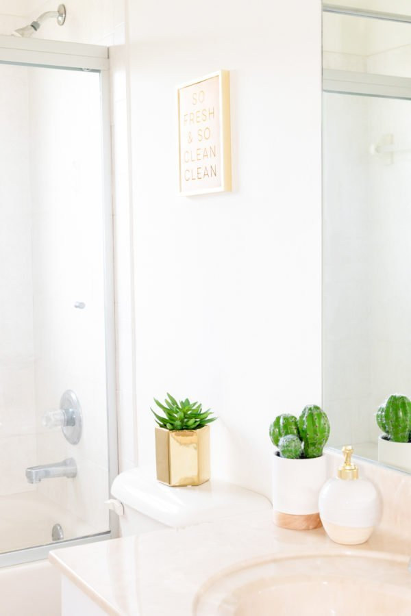 How to Make a Tiny Bathroom Seem Larger