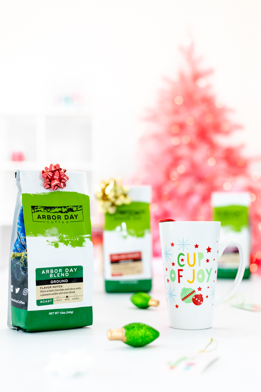 Coffee gifts under the Christmas Tree