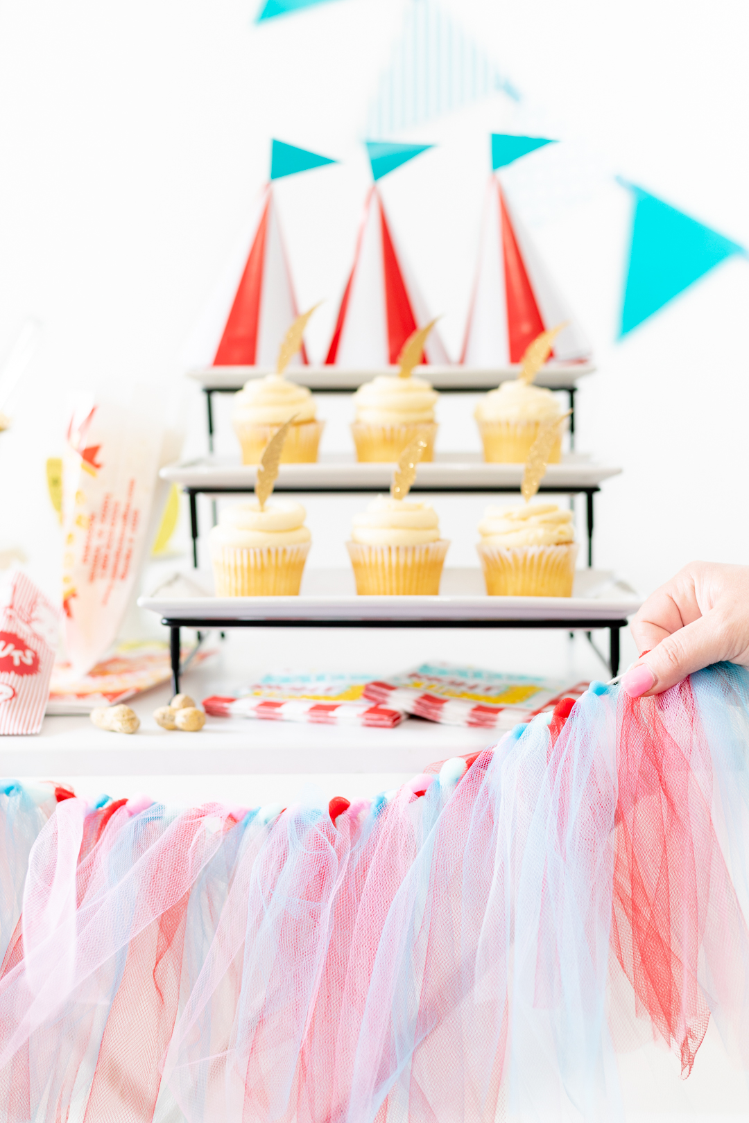 diy tulle party banner