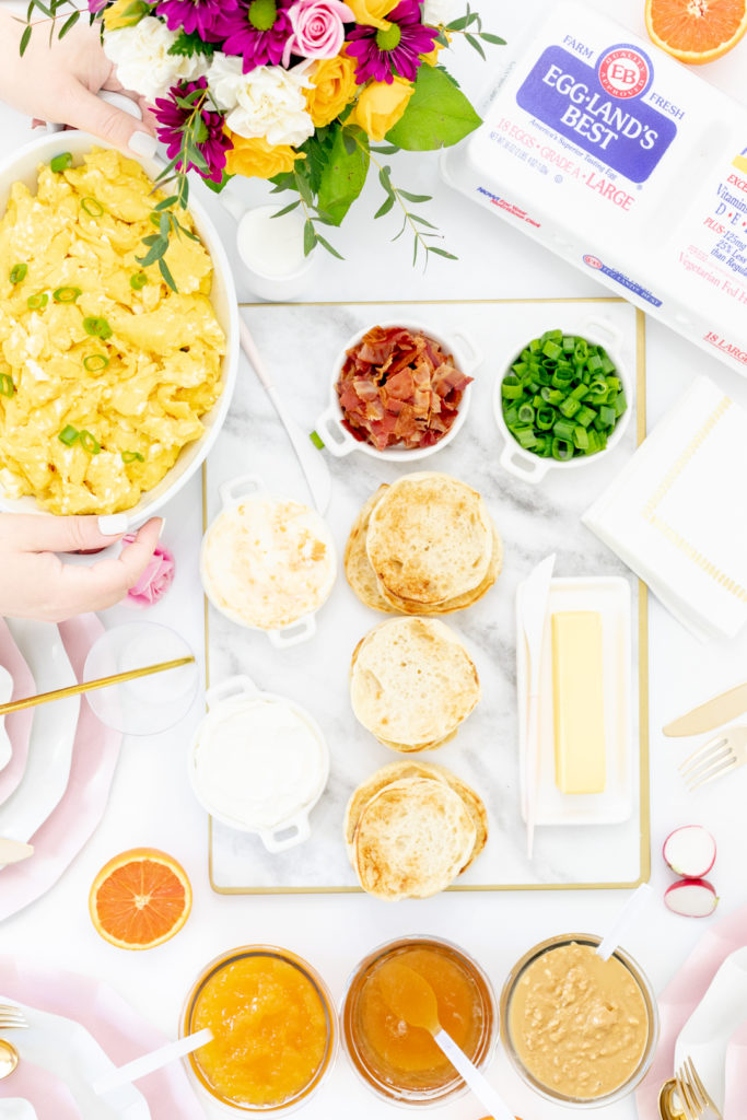 setting up an easy brunch tablescape