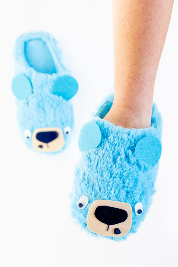 Adorable Blue Bear Slippers You Can Make.