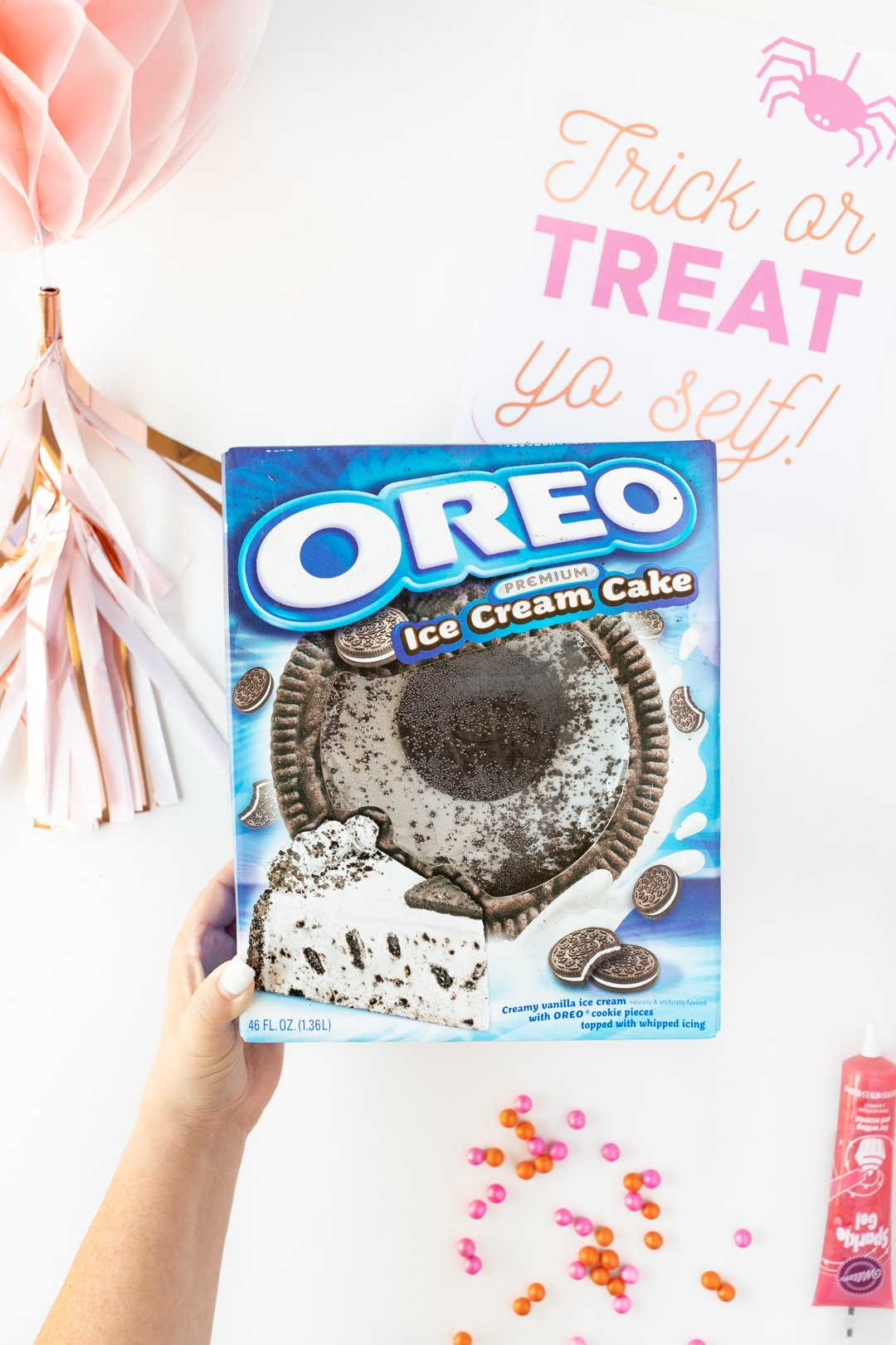 Carvel OREO Ice Cream Cake in box.