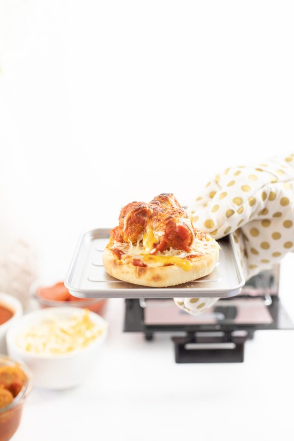 Toasted english muffin pizza