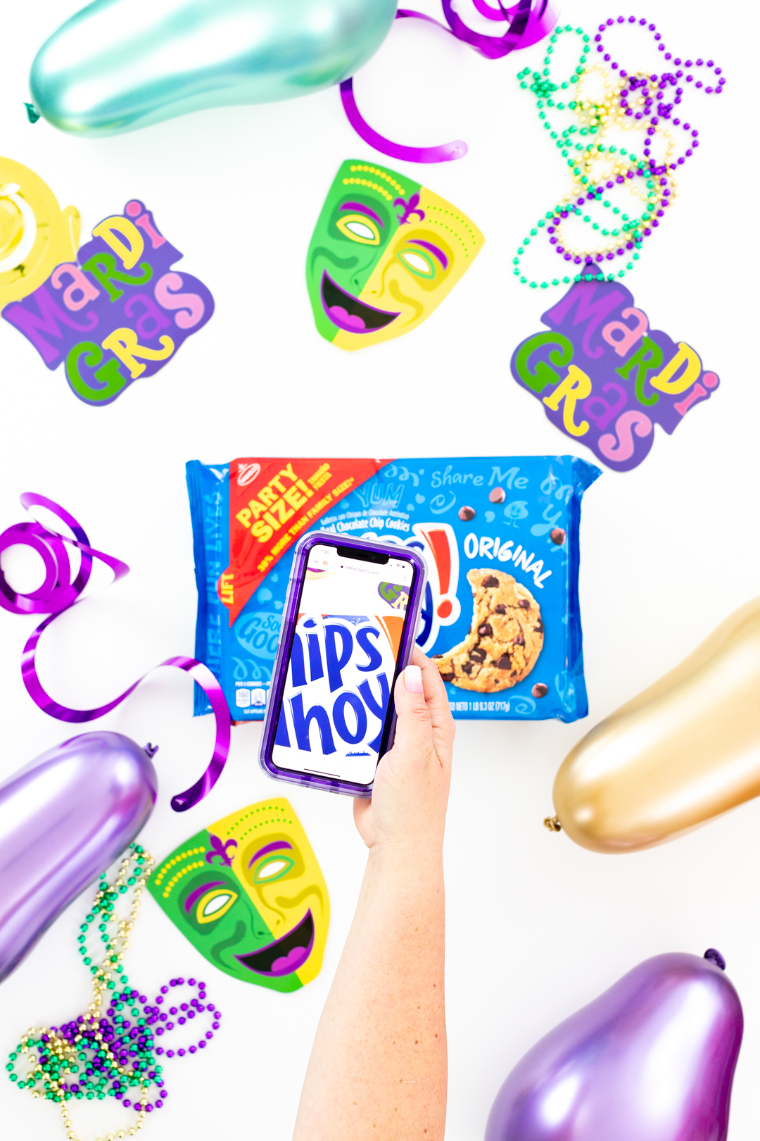 Scanning package of Chips Ahoy! with phone