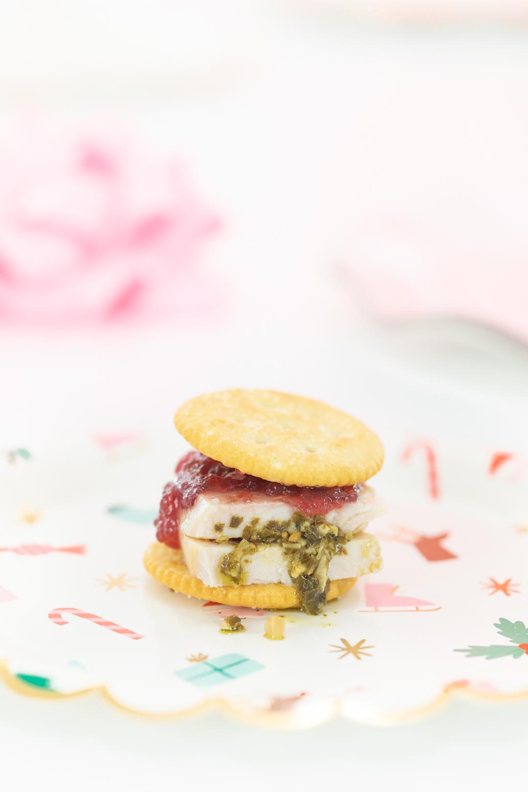 Pesto Turkey & Cranberry Cracker Sandwich