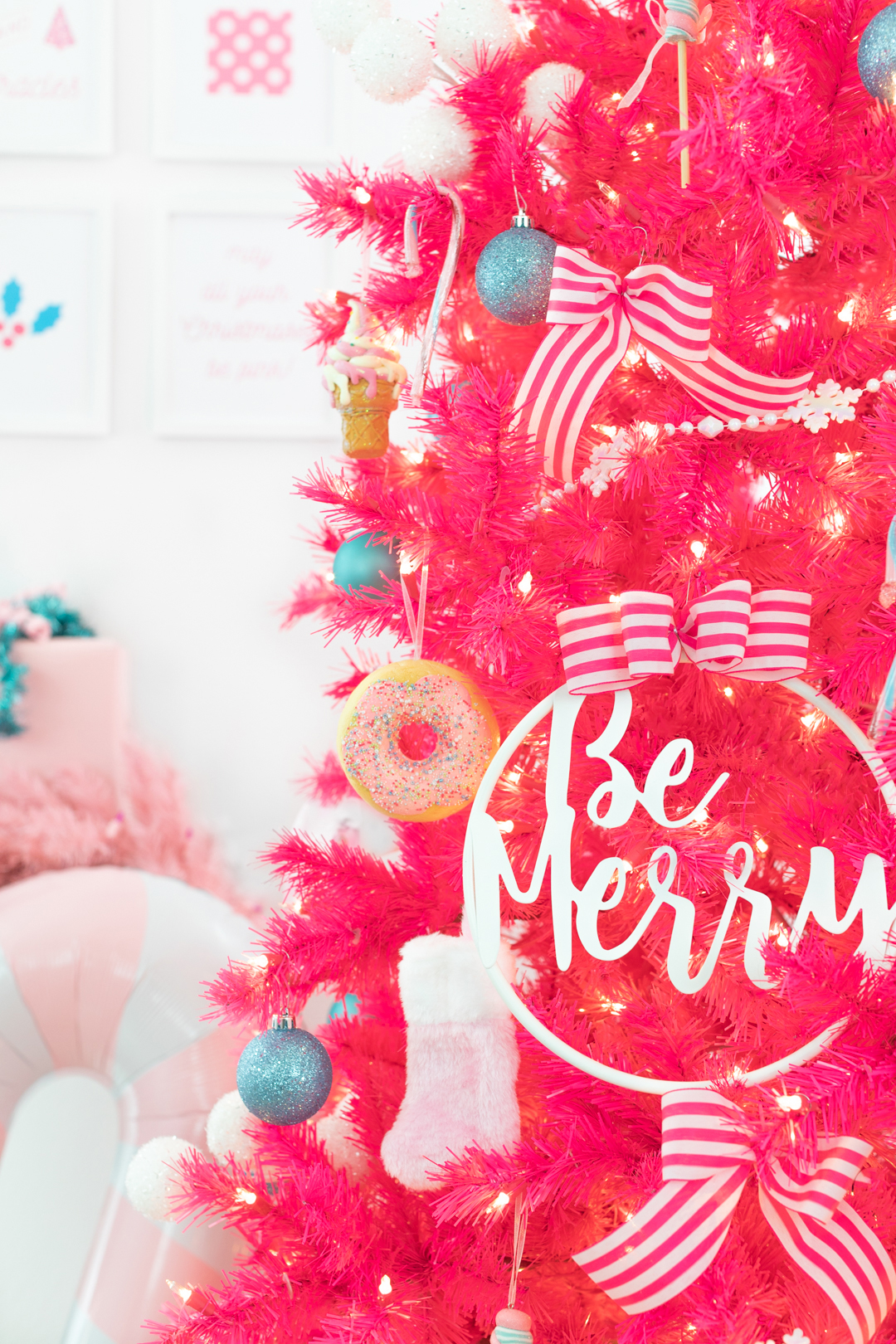 Be Merry Christmas Tree Sign