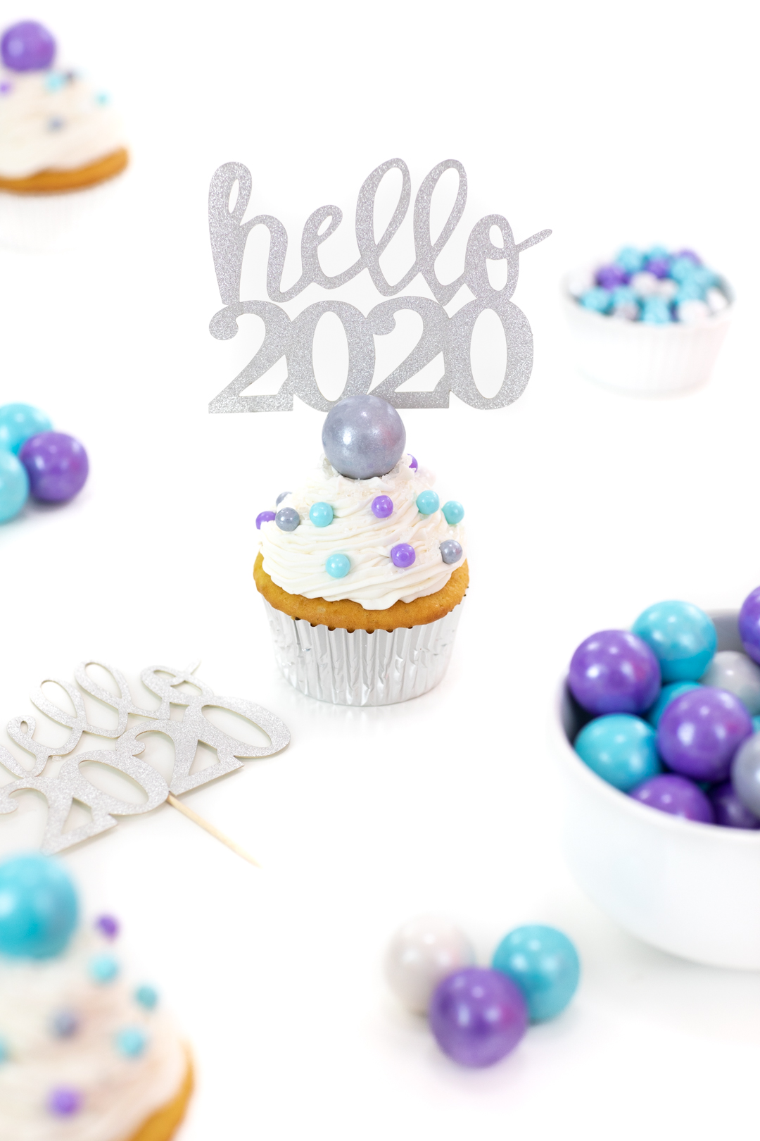 new year's cupcakes with hello 2020 cupcake topper