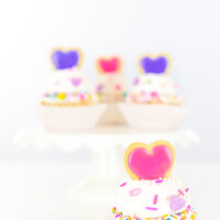 cute valentine's day cupcakes with frosting