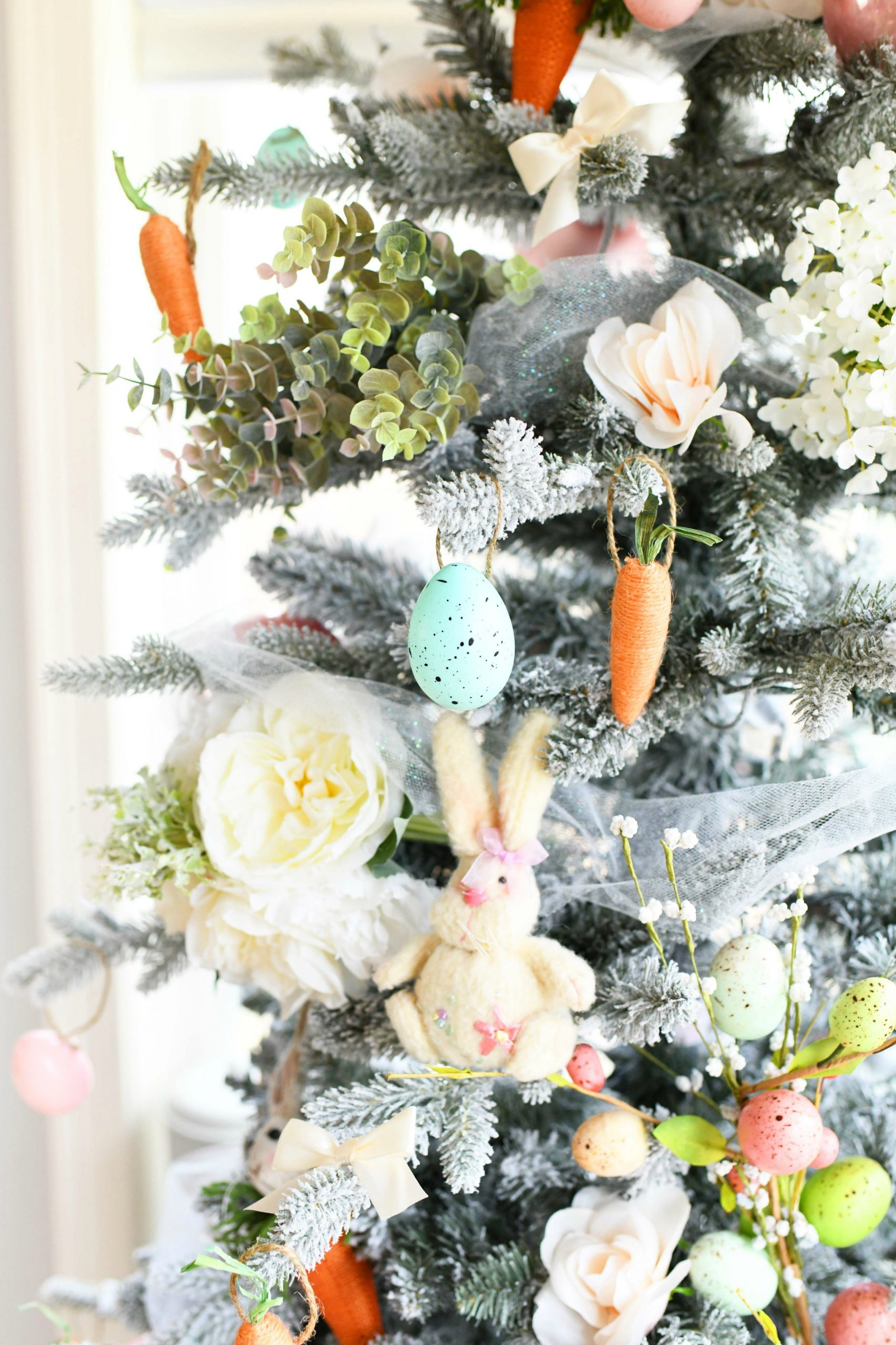 farmhouse style easter tree with carrot ornaments