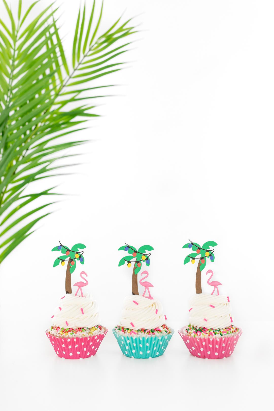 palm tree cupcakes with mini flamingos cupcake toppers