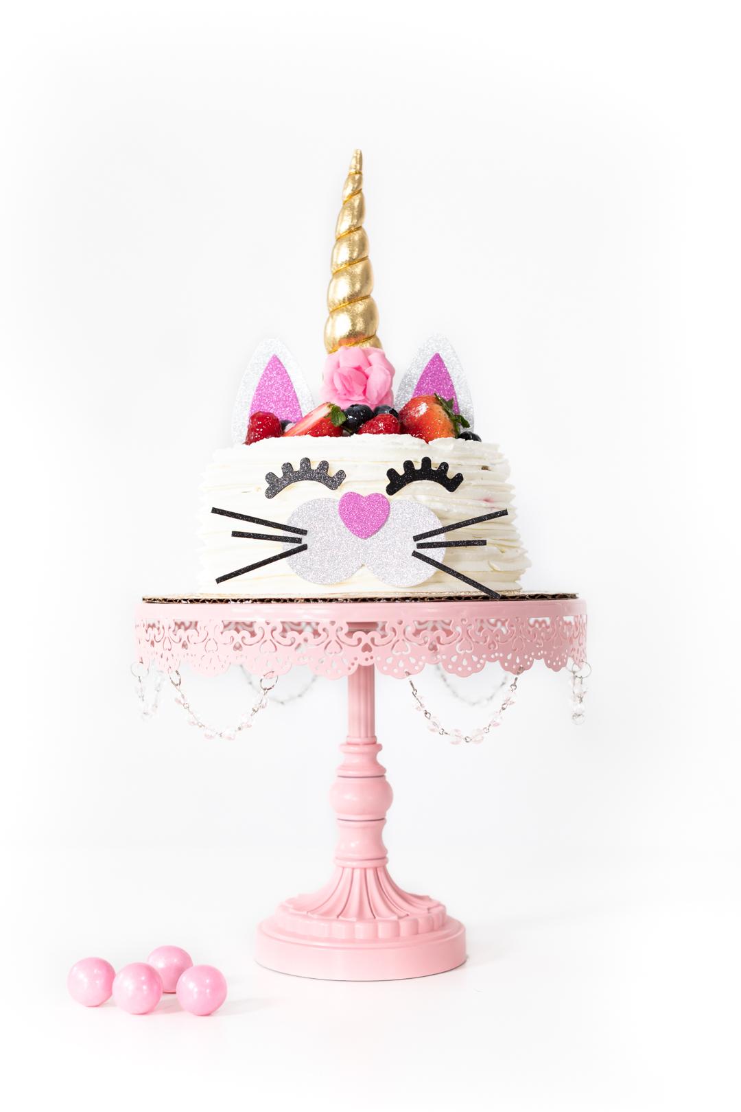 caticorn cake mixing both cat and unicorn cake decor