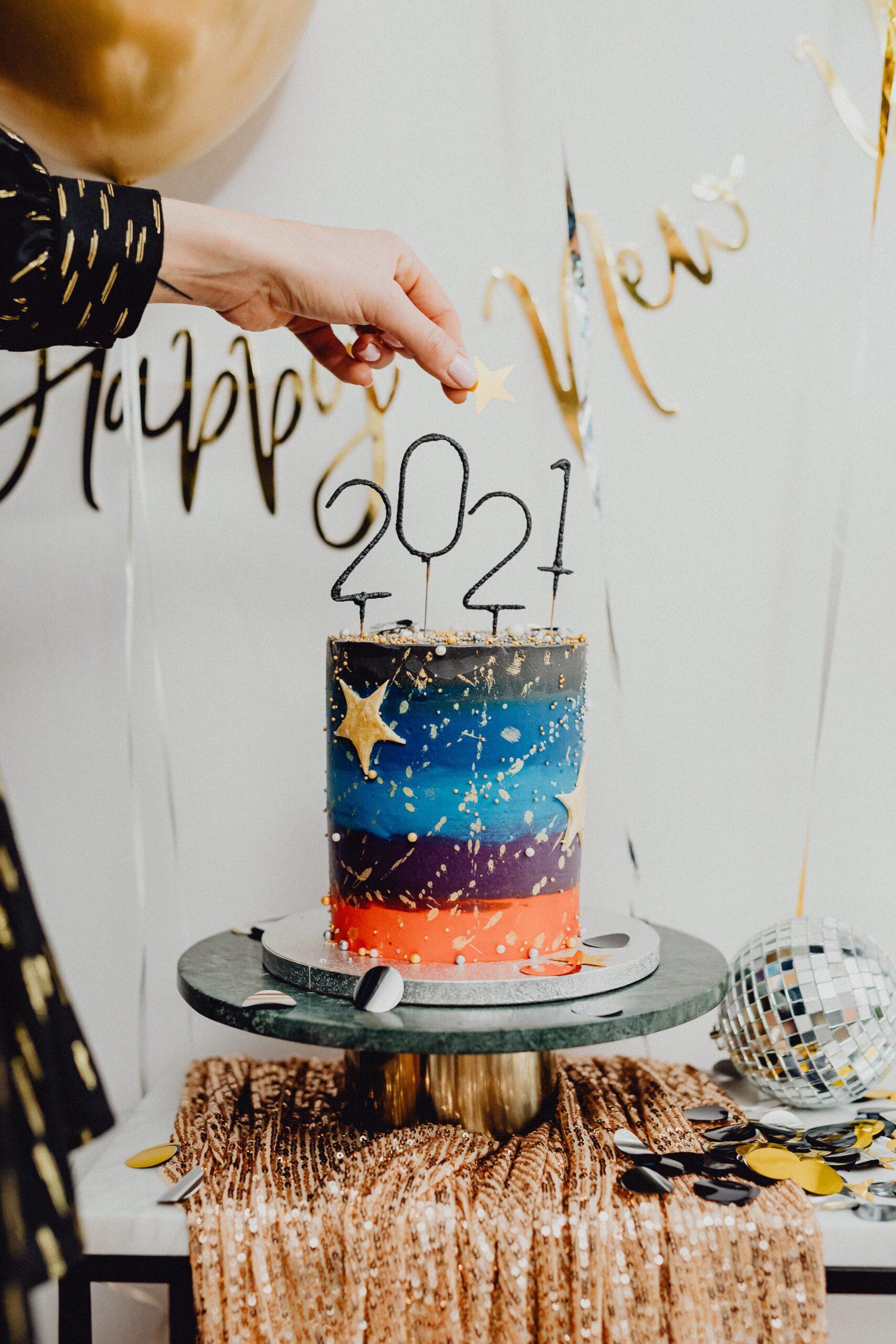 2021 Cake topper