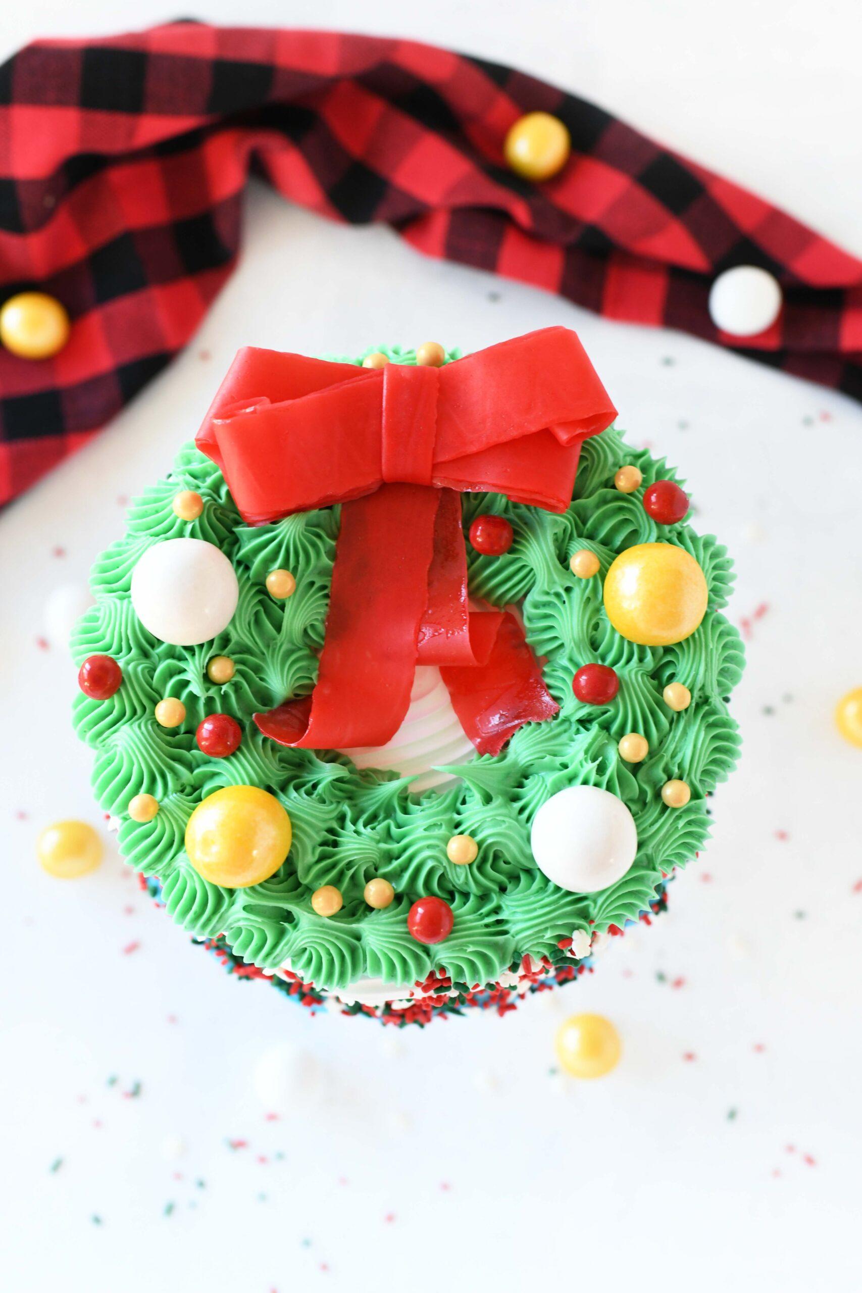 pretty wreath ice cream cake